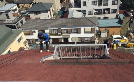 ロープアクセスで屋根塗装